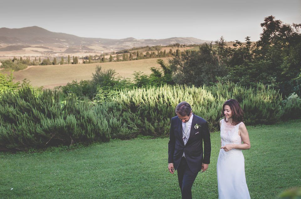 Olive theme wedding in Val D'Orcia