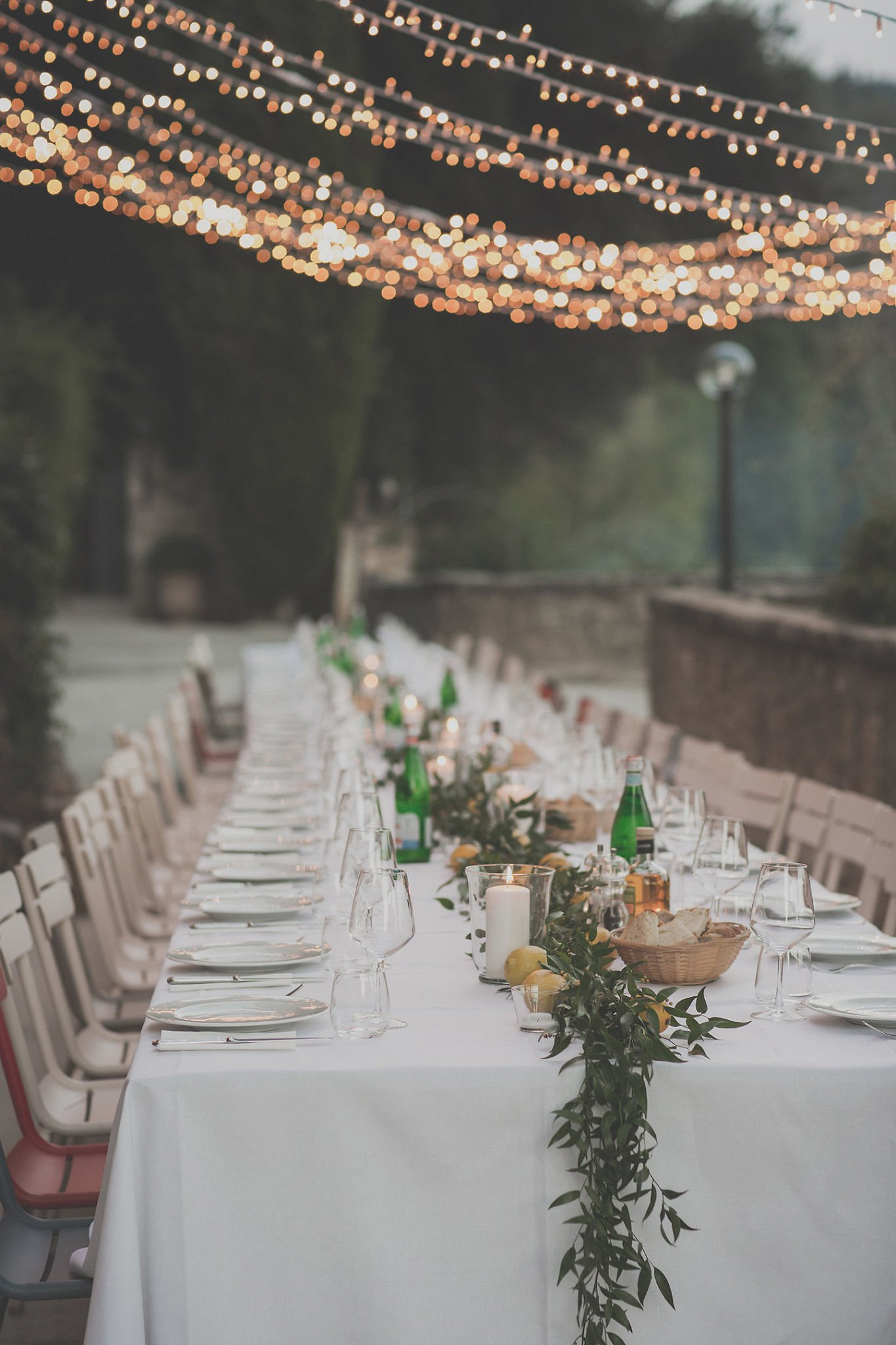rehersal-wedding-dinner-table-blue-huor-vignamaggio-tuscany