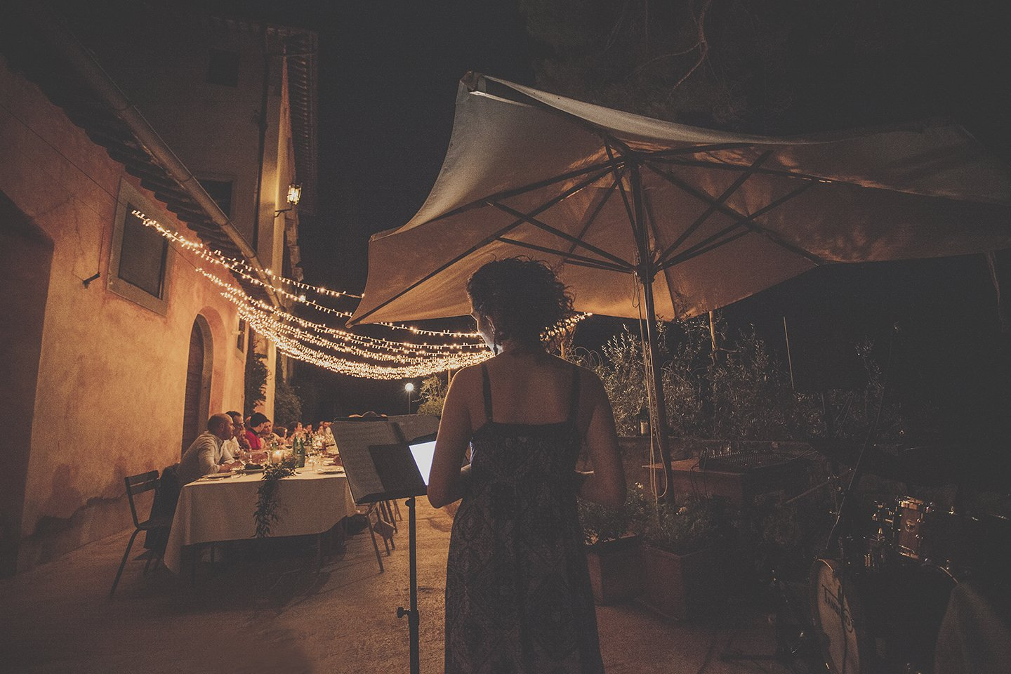 music-entertainement-rehersal-wedding-dinner-vignamaggio-tuscany