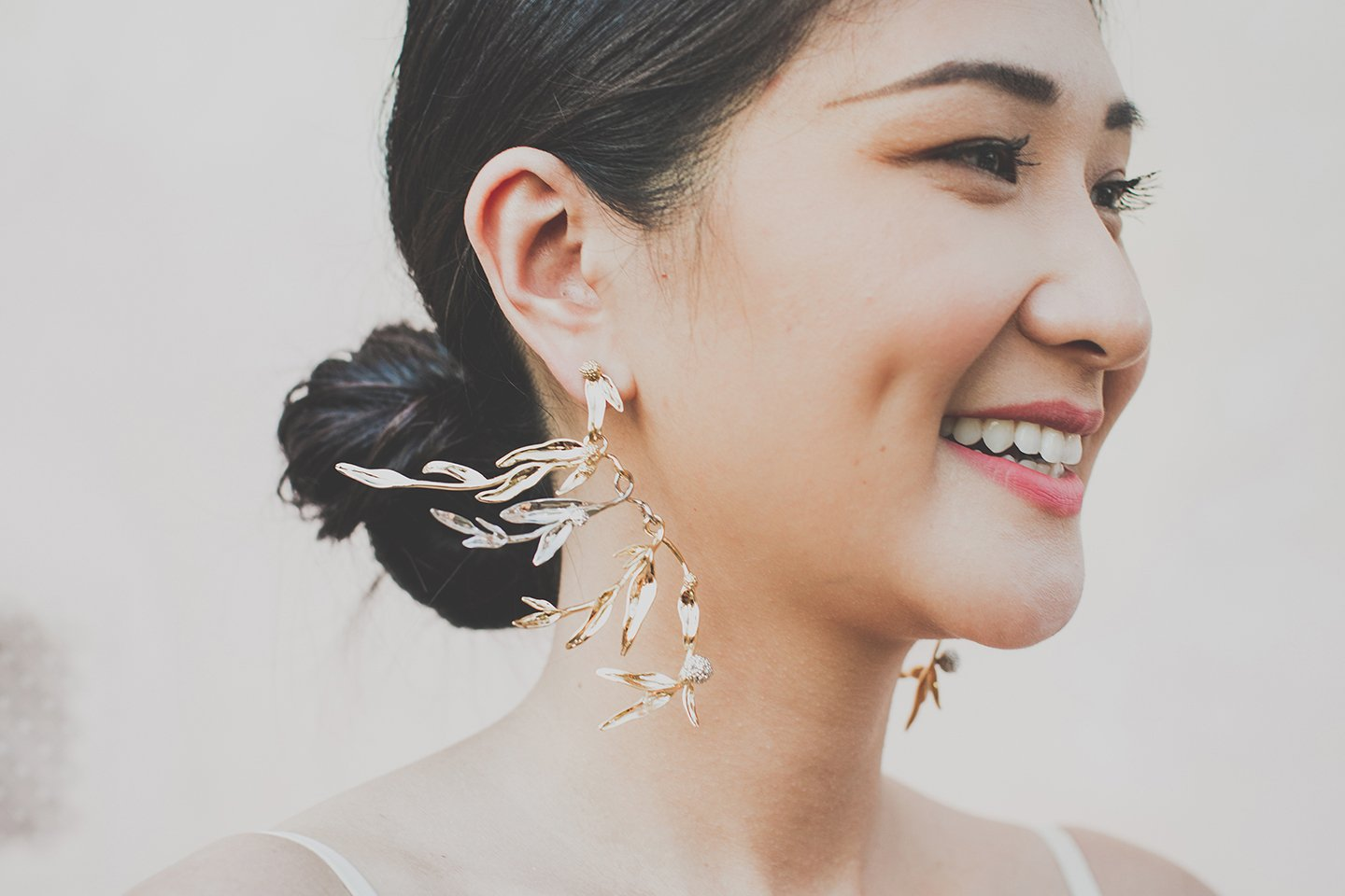 pronovias-wedding-earings-chinese-bride-tuscany