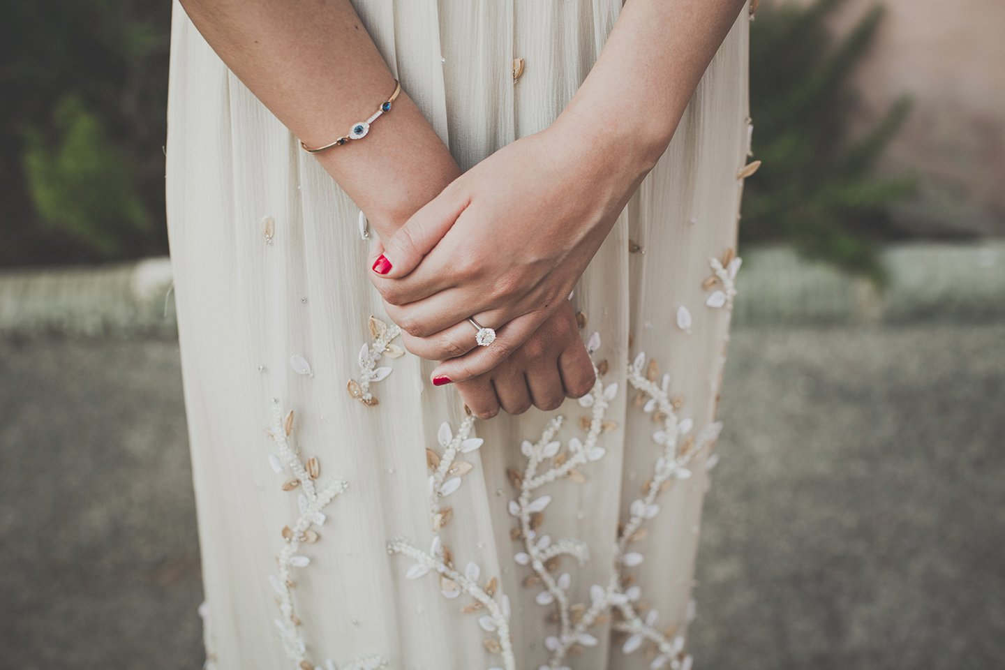 alice-and-olivia-dress-engagement-ring-bride-tuscany