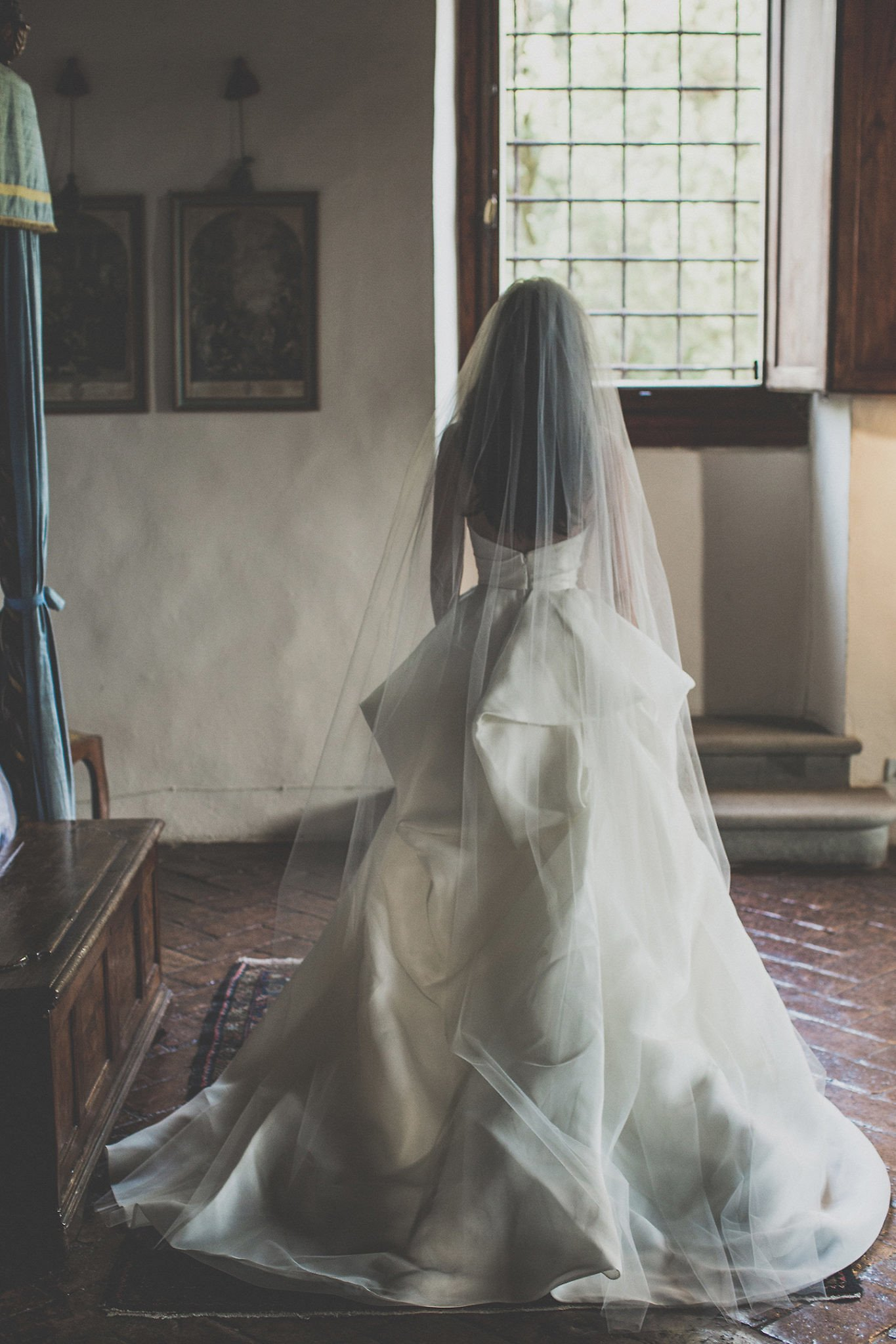 Chinese-bride-wedding-day-vignamaggio-Tuscany
