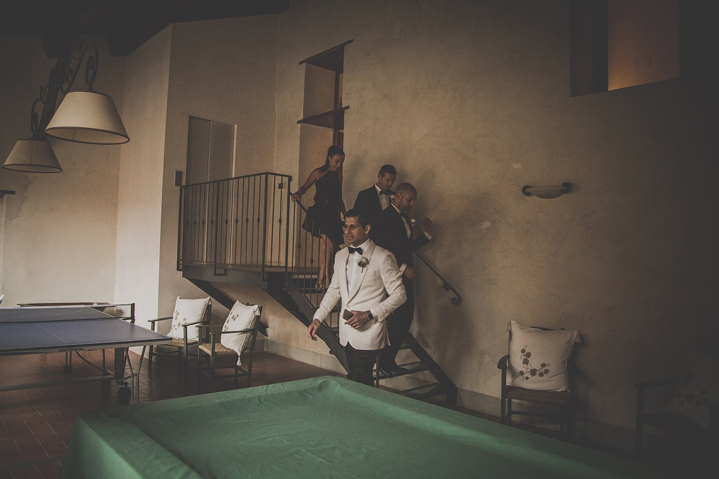 groom-going-to the-ceremony-Vignamaggio-tuscany-