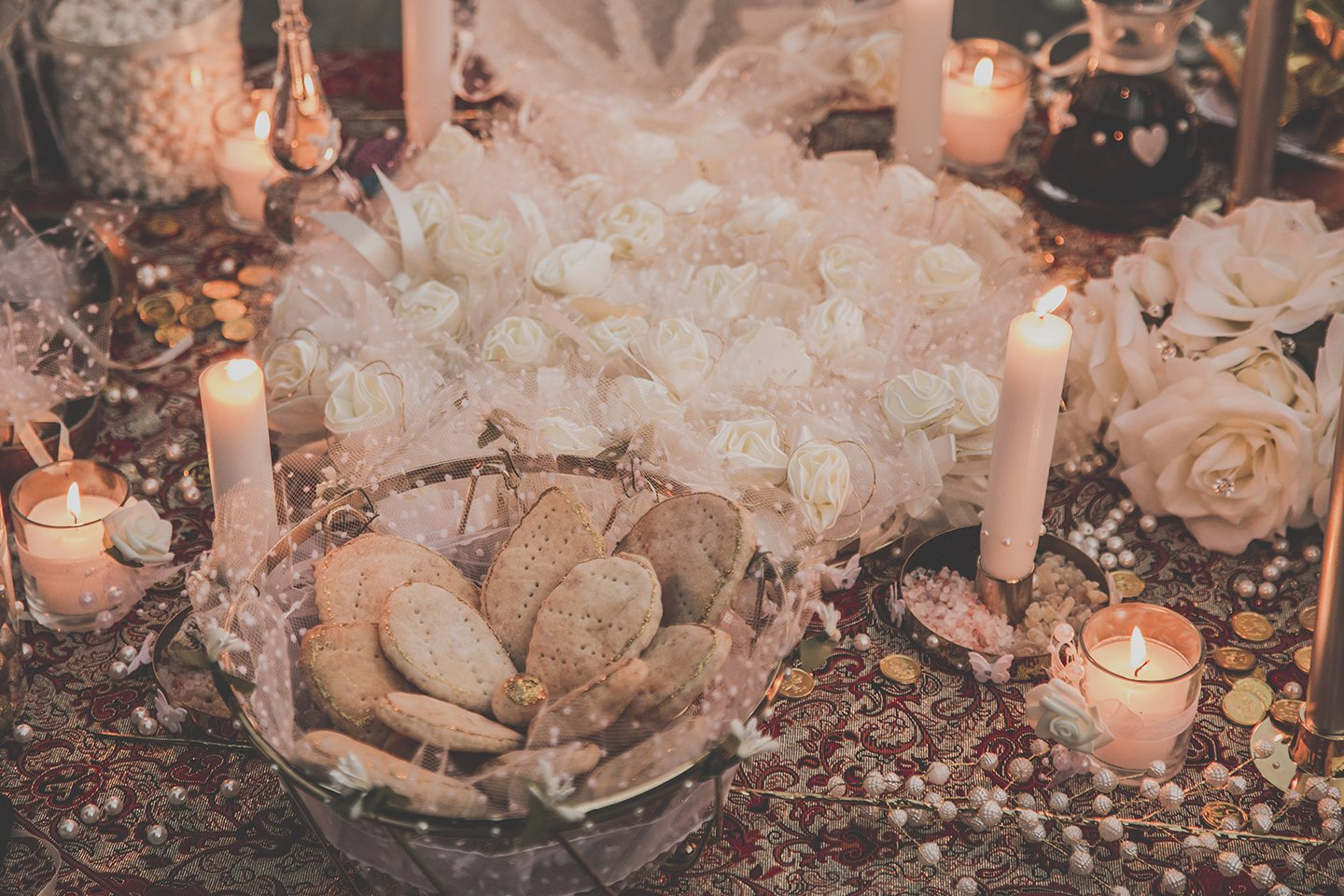 wedding-tradition-persian-biscuits-ceremony-