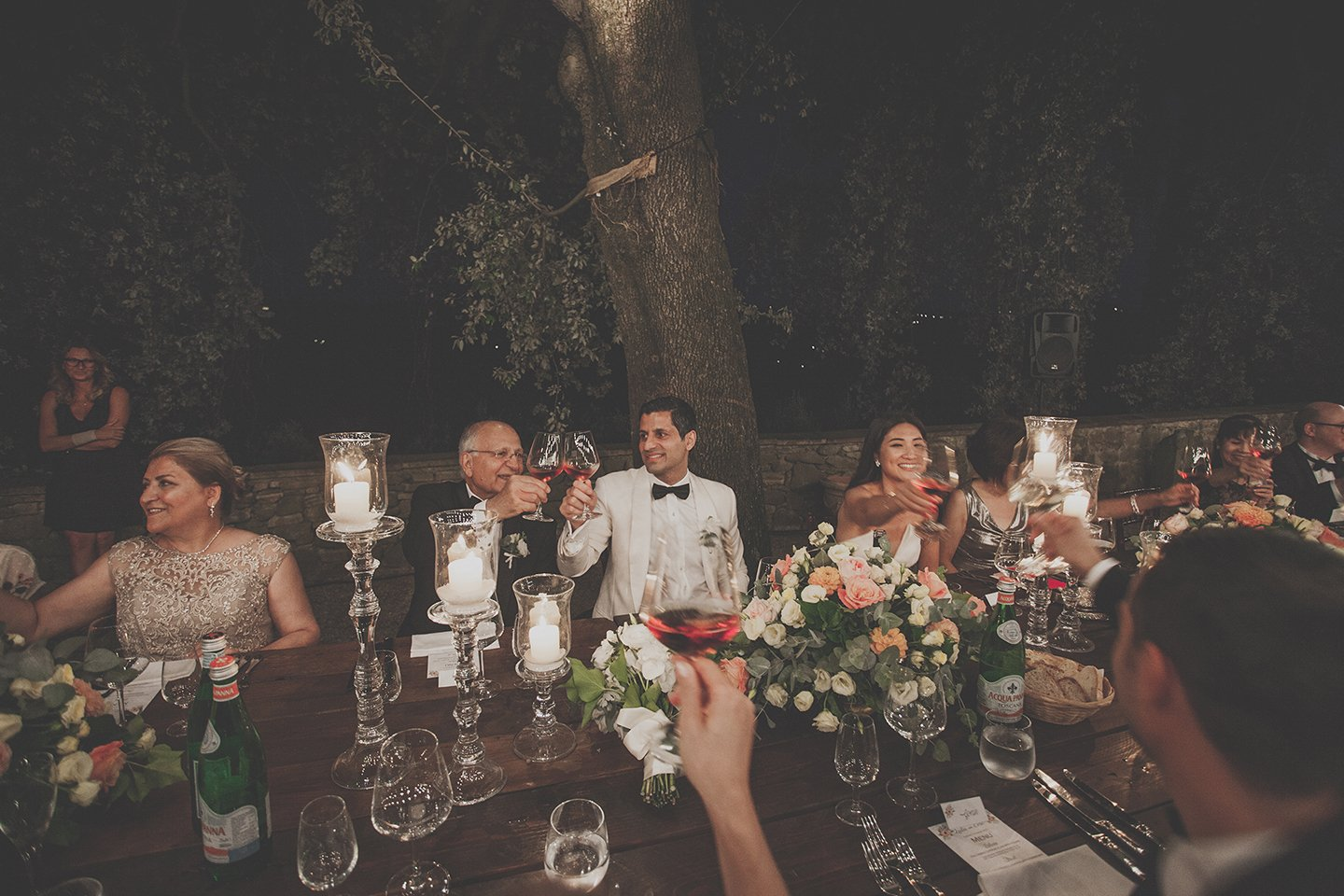 wedding-dinner-toast-Vignamaggio-Tuscany