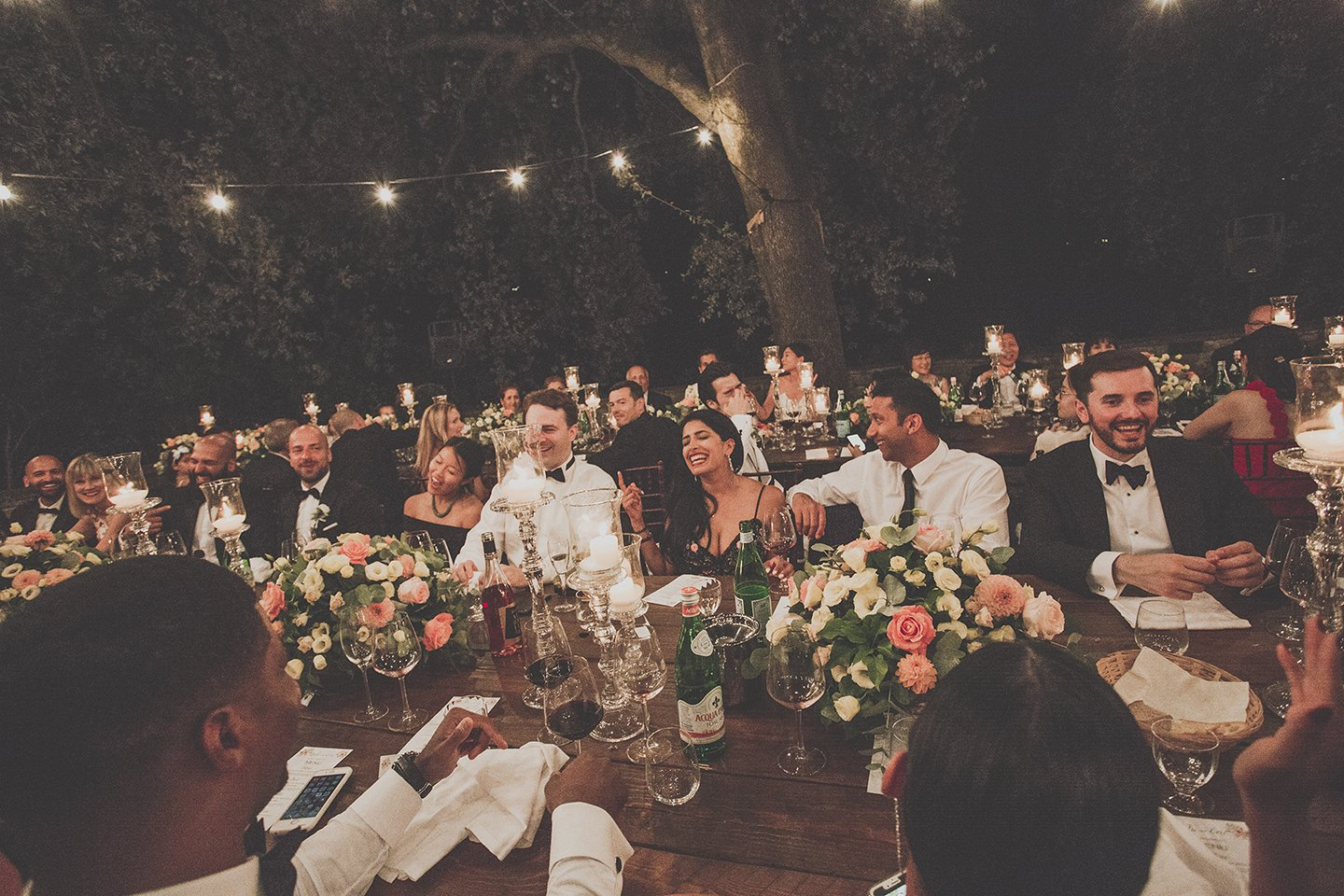 outdoor-wedding-dinner-Vignamaggio-Tuscany