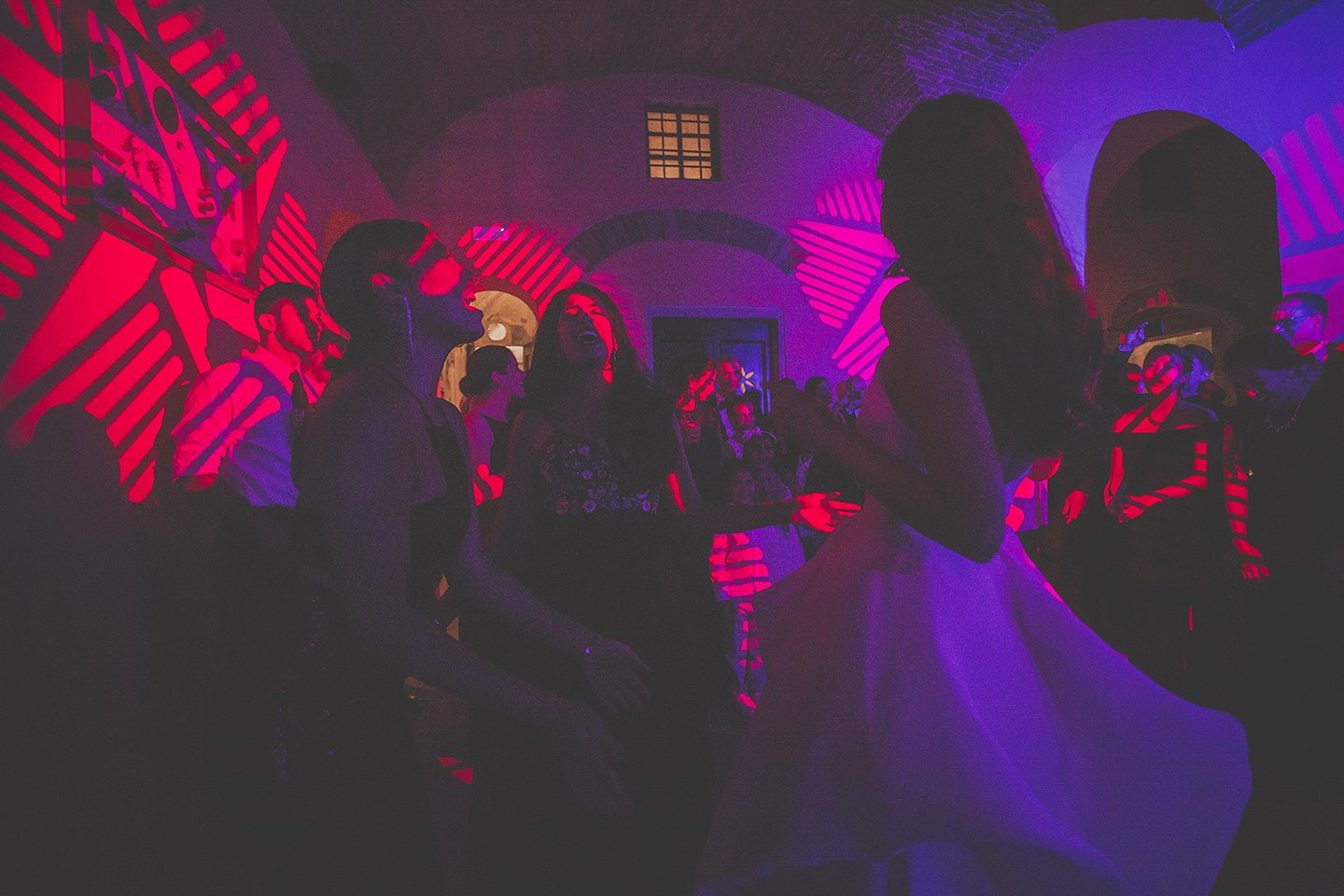 indoor-wedding-party-vignamaggio-Tuscany
