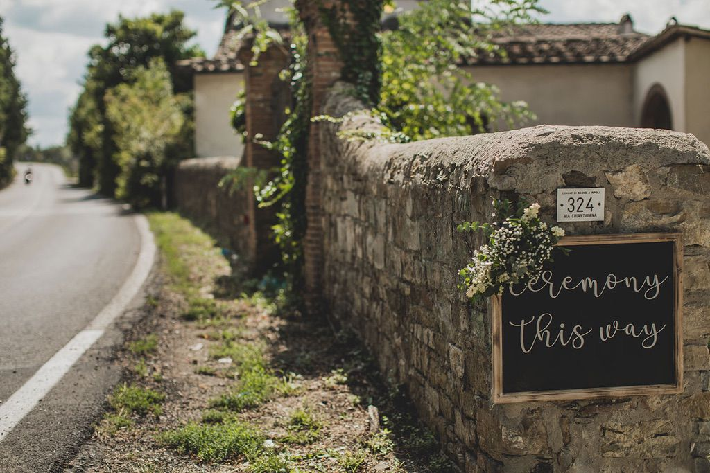 Intimate-Wedding-Florence-hills-family-house-001