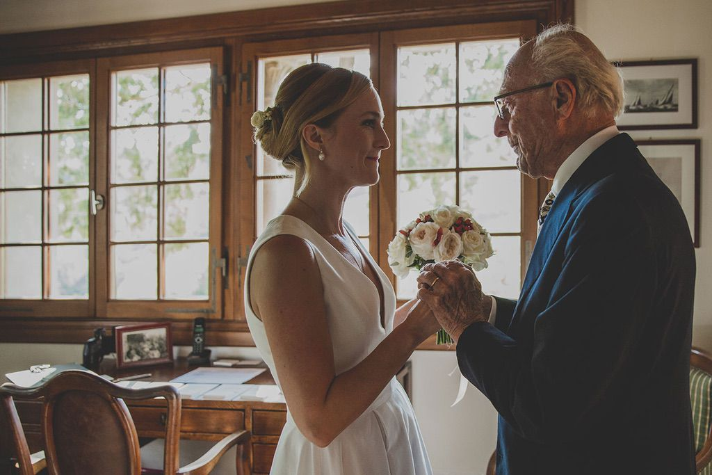 Family-Intimate-Wedding-Florence-bride-grandfather-019