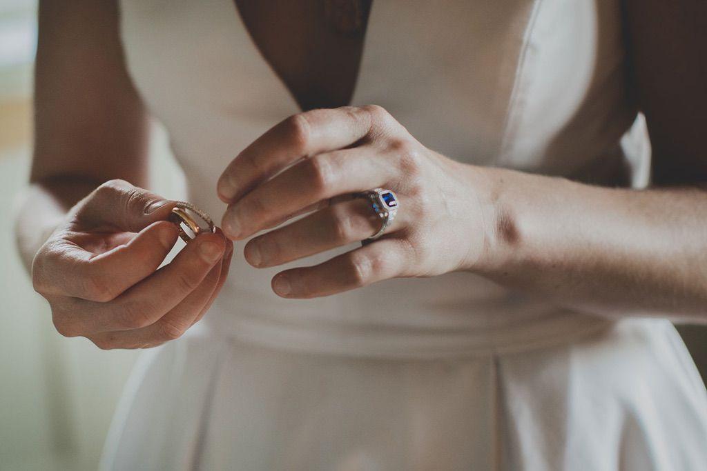 Intimate-Wedding-Florence-bride-rings-grandparents-020