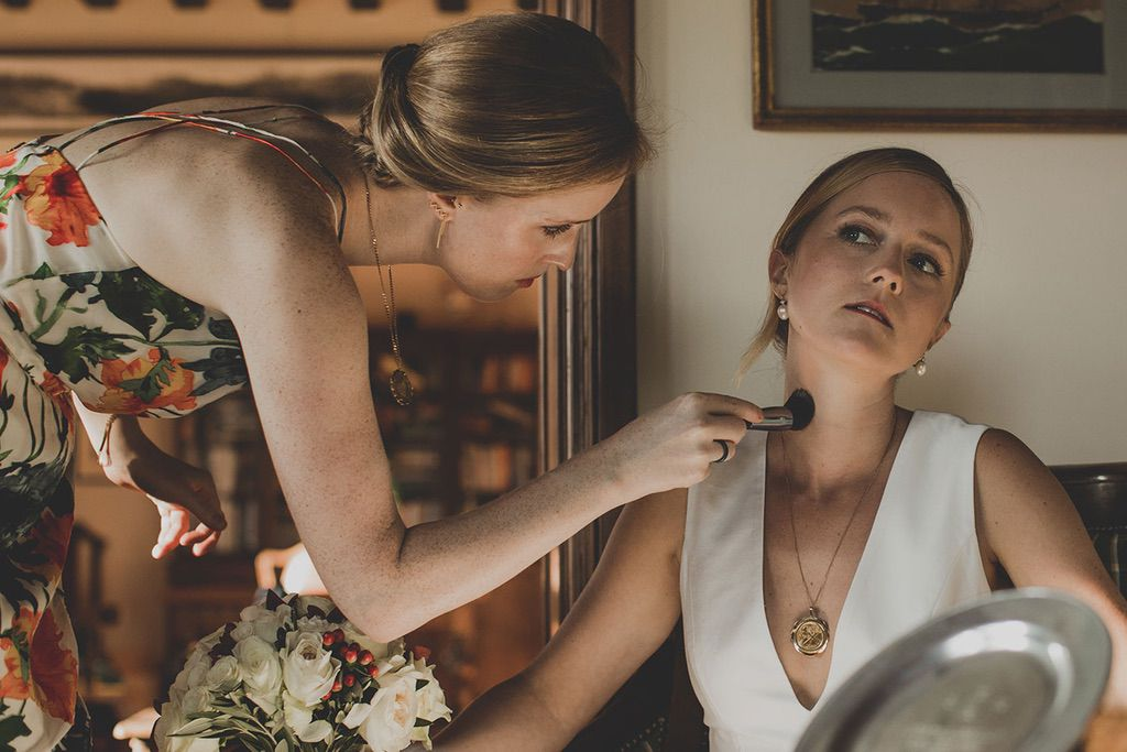 Intimate-Wedding-Florence-bride-getting-ready-026