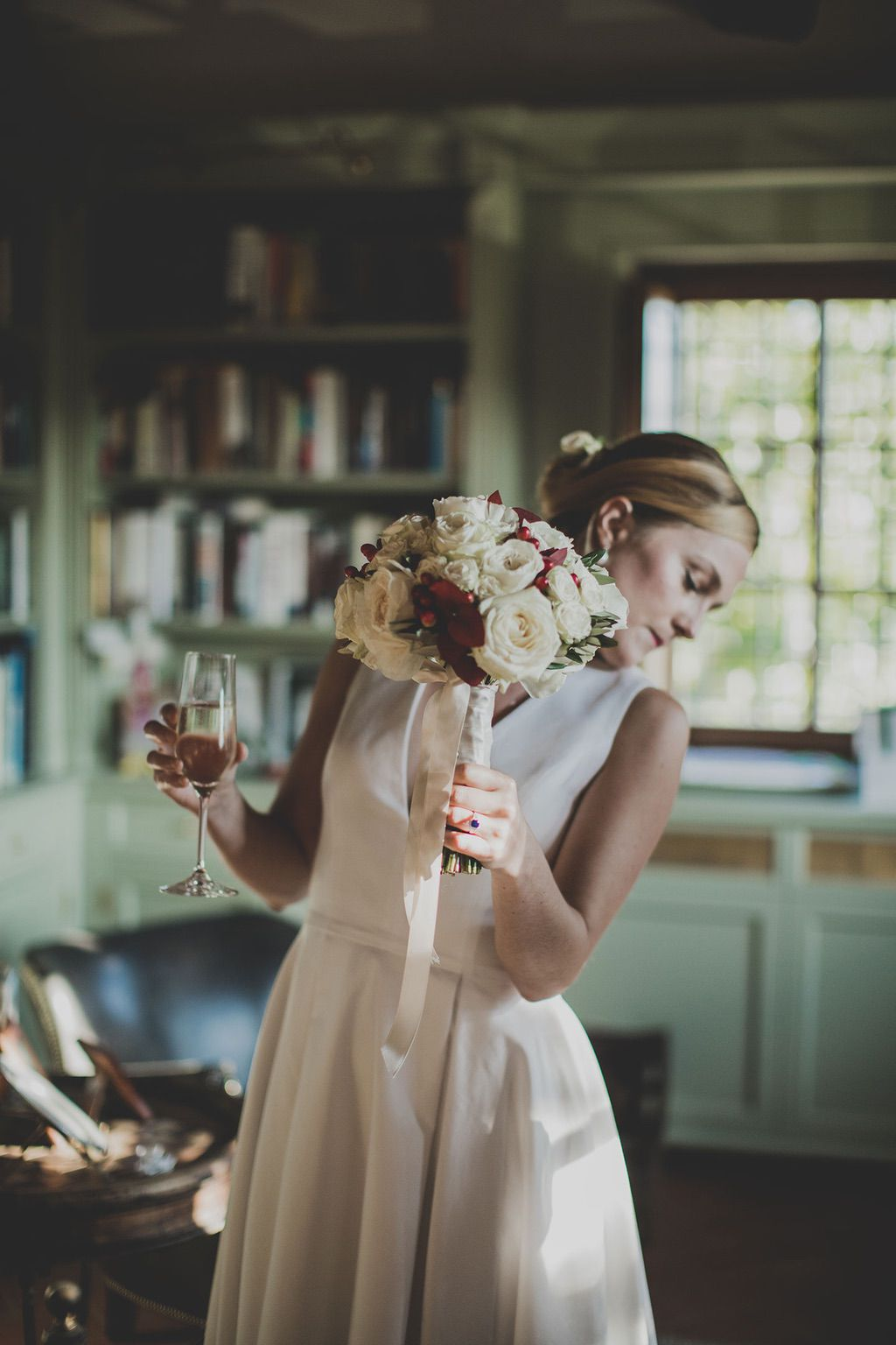 Intimate-Wedding-Florence-bride-getting-ready-028