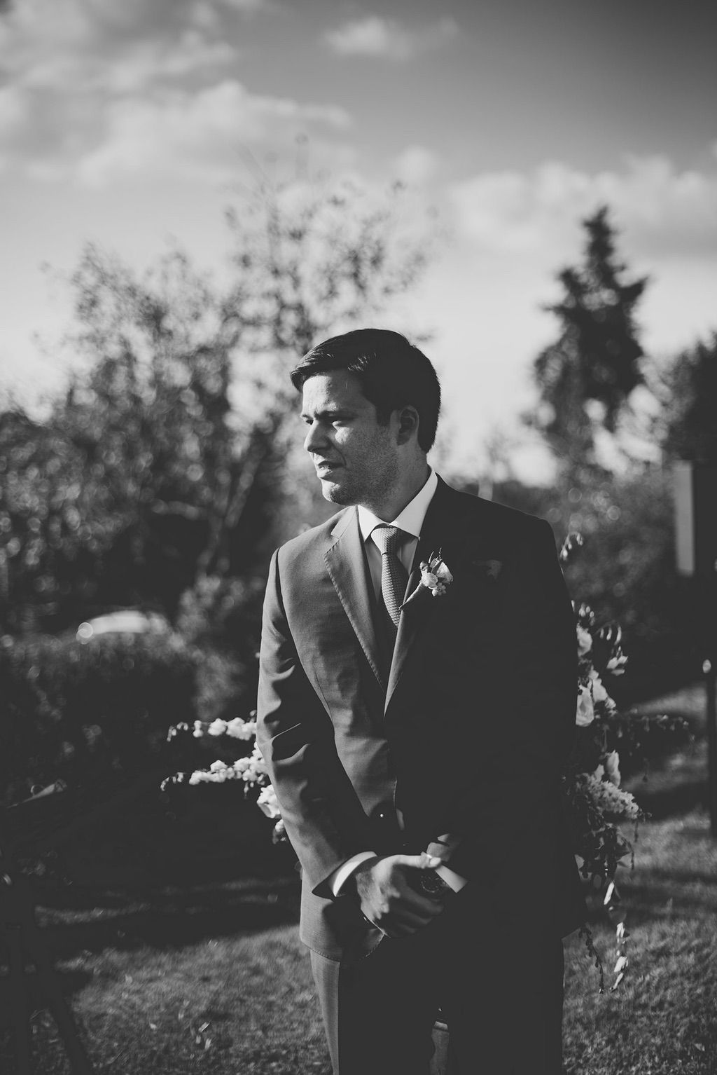 Intimate-Wedding-Florence-outdoor-ceremony-groom-029