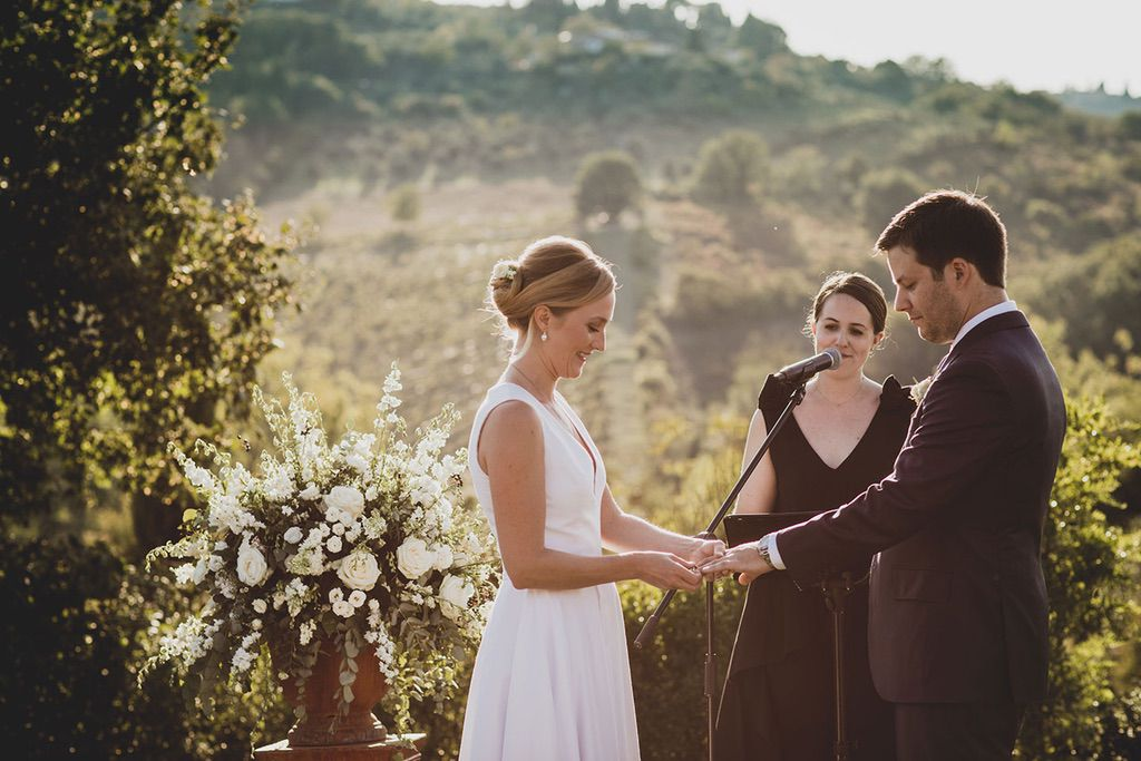 Intimate-Wedding-Florence-outdoor-ceremony-031