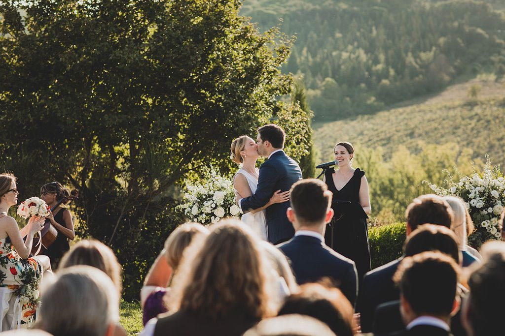 Intimate-Wedding-Florence-outdoor-ceremony-032