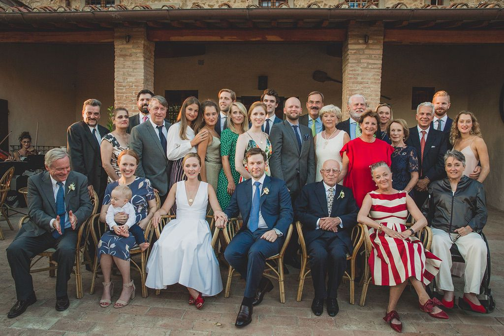 Intimate-Wedding-Florence-family-group-picture-036