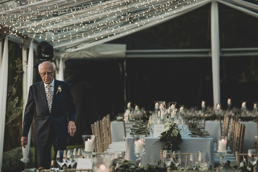 Intimate-Wedding-Florence-grandfather-tables-044