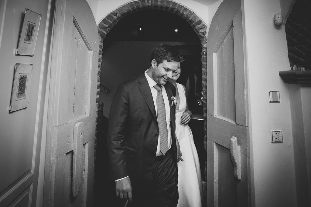 Intimate-Wedding-Florence-first-dance-051