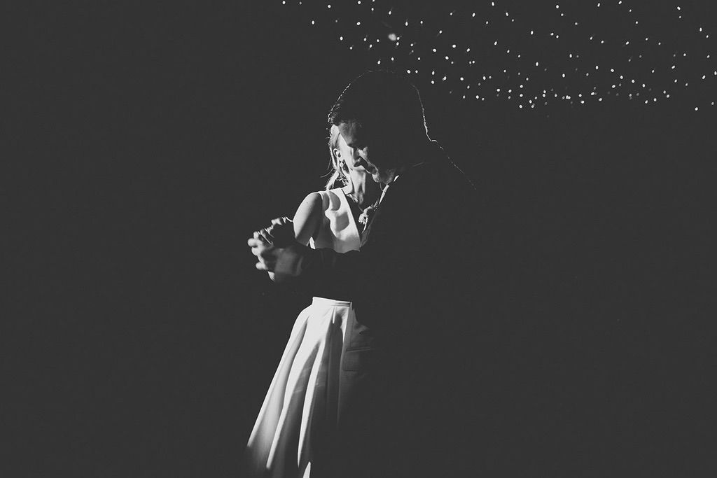 Intimate-Wedding-Florence-first-dance-052
