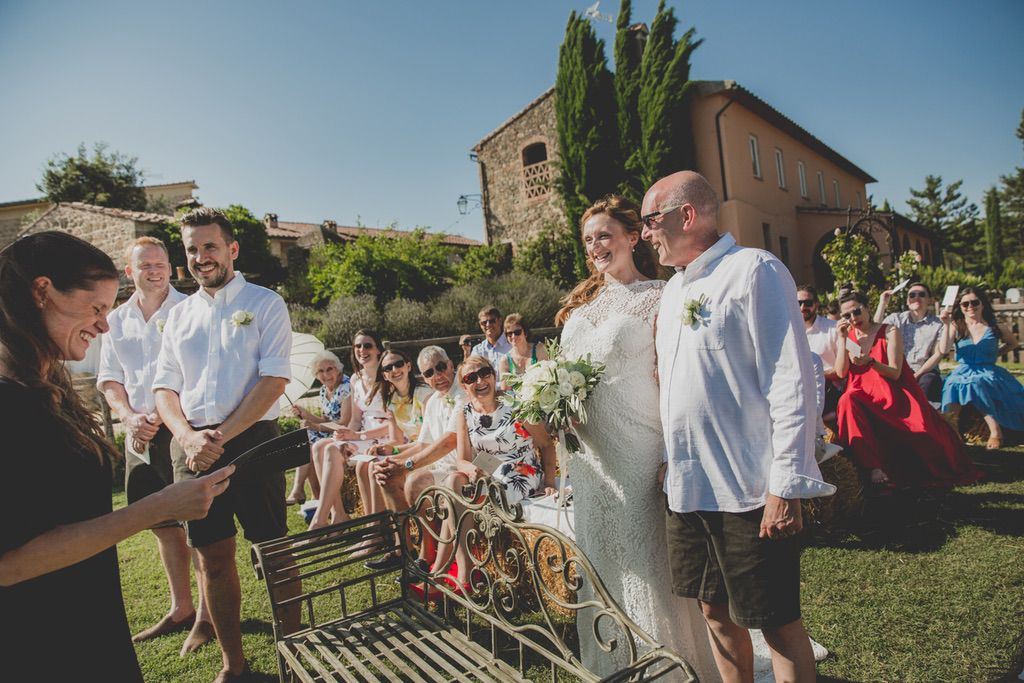 outdoor-wedding-blessing-ceremony-tenuta-di-papena-tuscany