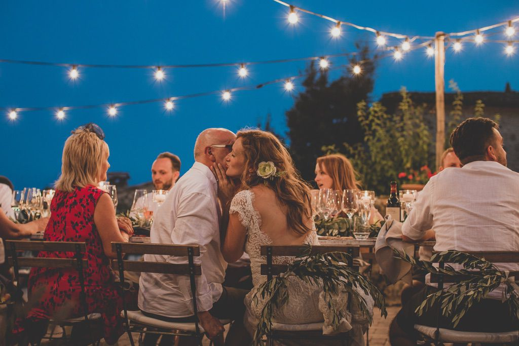 bride.-father-wedding-dinner-table-tenuta-di-Papena-tuscany
