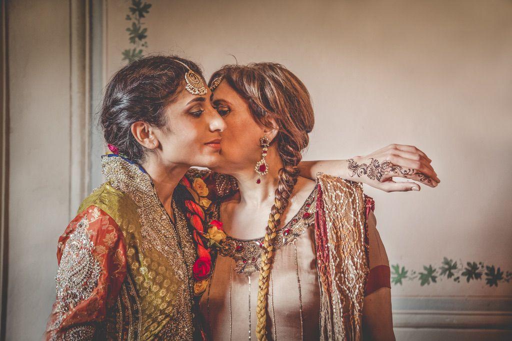 tradional-dress-Pakistani-wedding-villa-catignano-tuscany-009