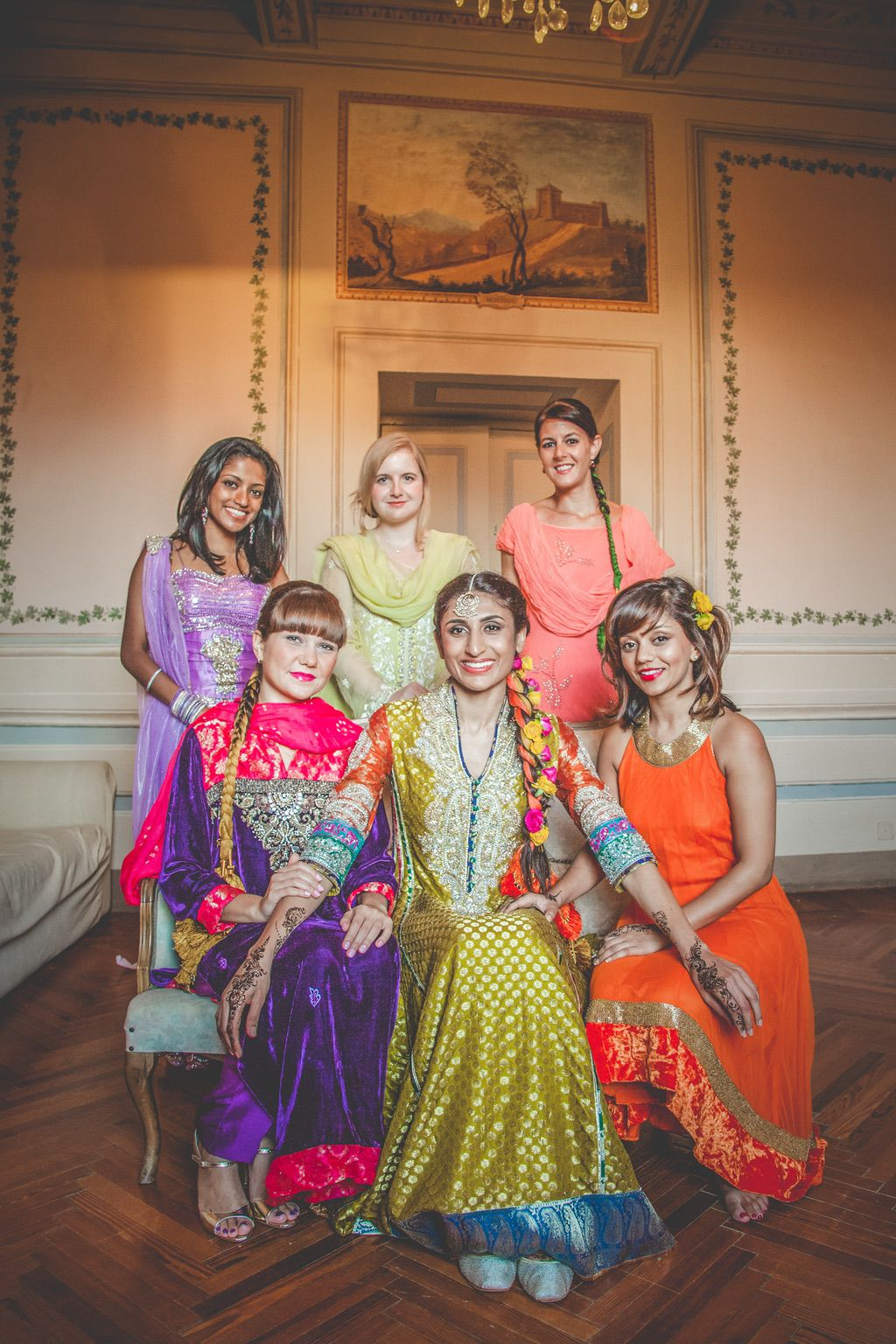bride-bridemaids-Sana-Safinaz-traditional-wedding-dress-Pakistani
