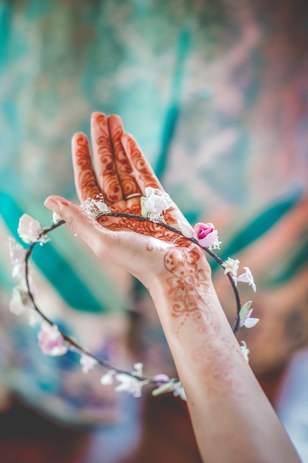 flower-crown-ceremony-Pakistani-wedding-villa-catignano-033