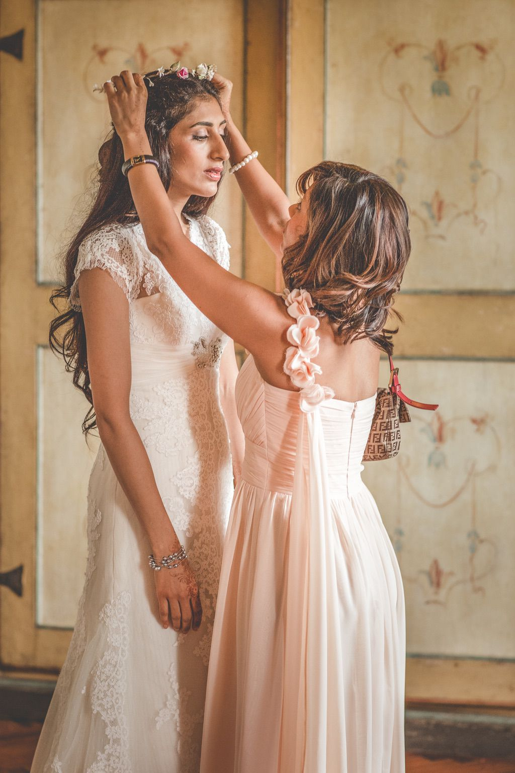 bride-pronovias-fusion-wedding-pakistani-Tuscany