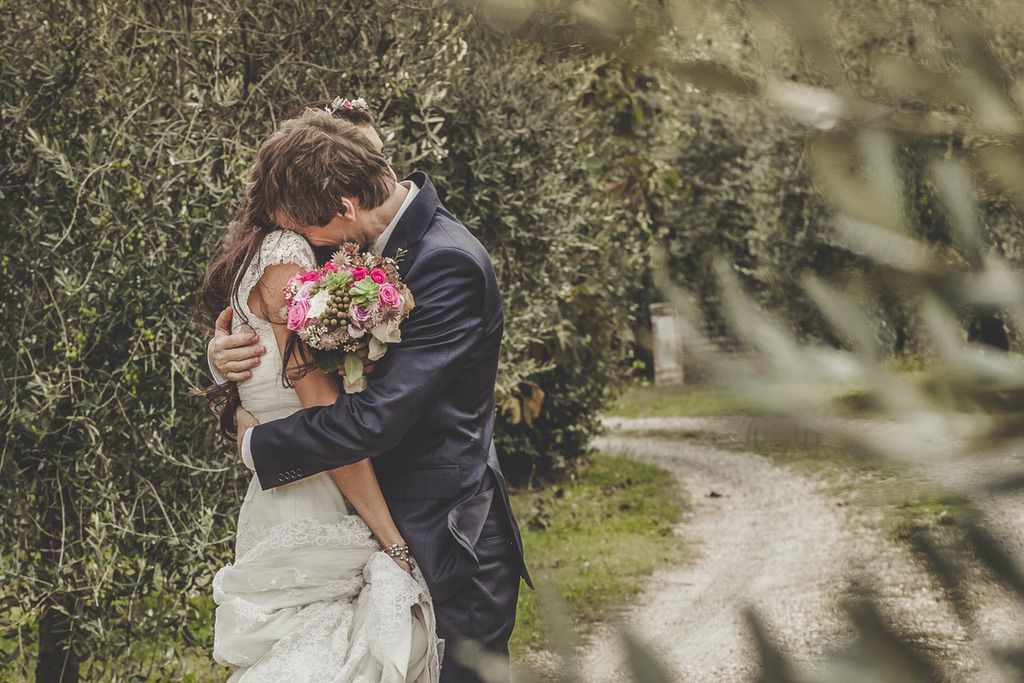 bride-groom-portrait-olives-field-tuscany