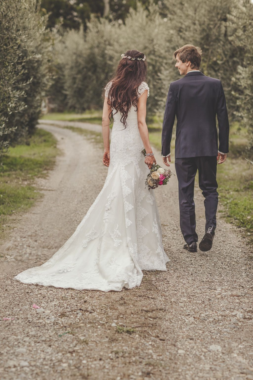 bride-groom-wedding-portrait-olives-trees-Tuscany