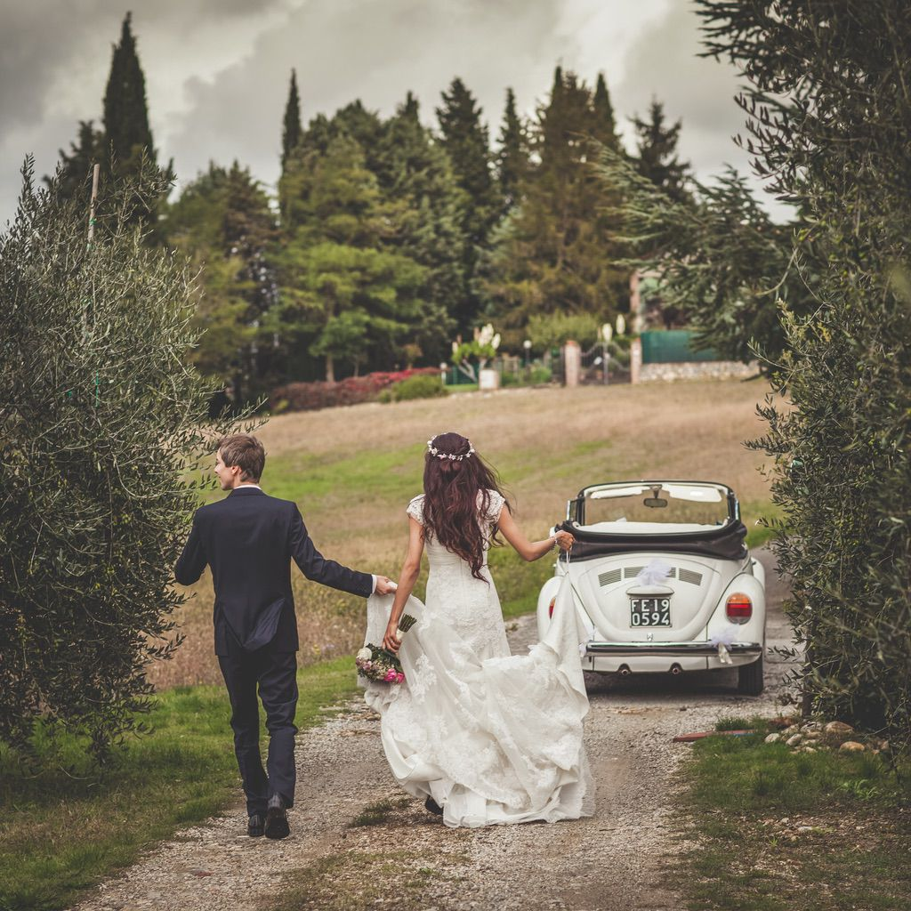 fusion-pakistani-destination-wedding-car-tuscany