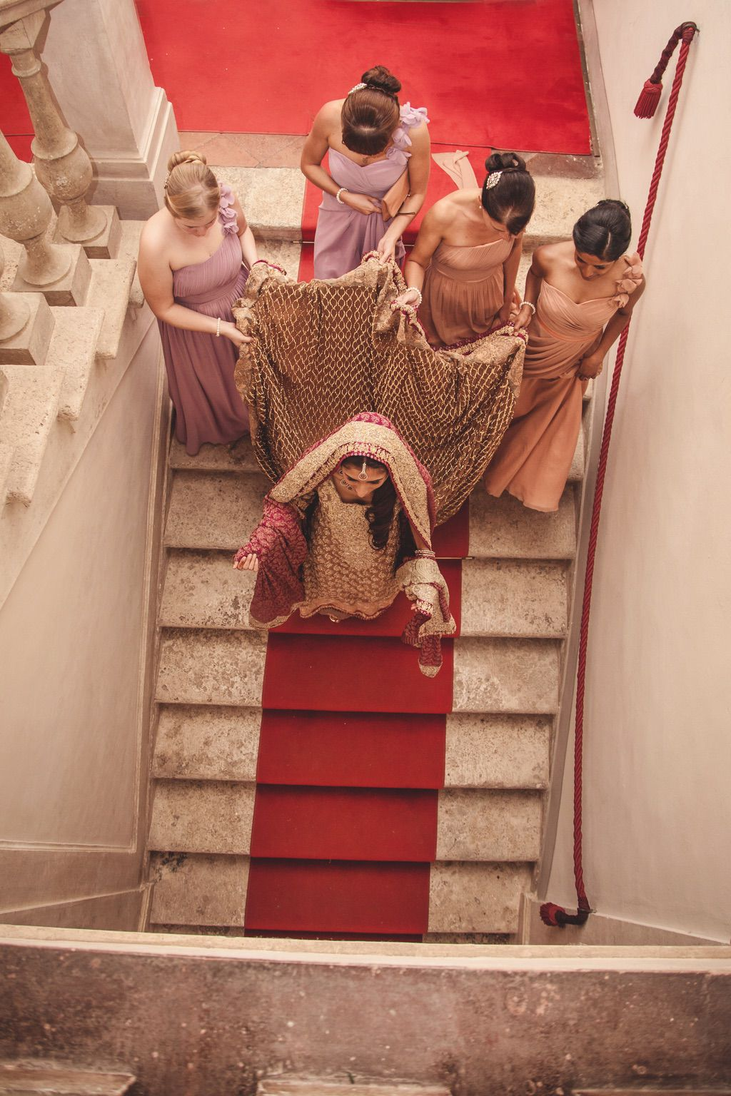 bride-bridesmaids-Sana-Safinaz-traditional-pakistani-villa-catignano-tuscany