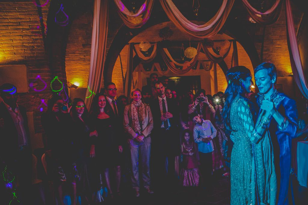 first-dance-fusion-Pakistani-wedding-villa-catignano
