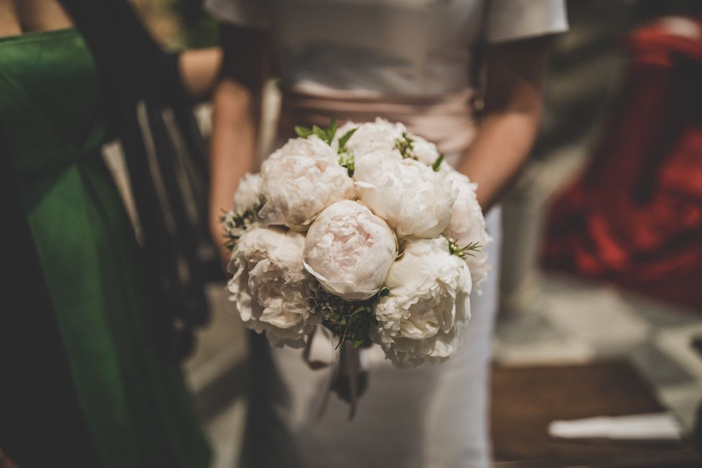 white-camellias-bouquet-bride-florence