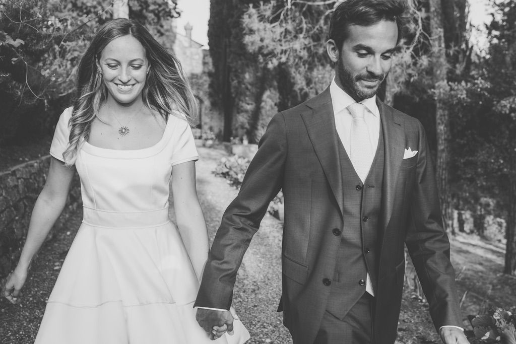 Bride-groom-walking-countryside-Florence-family-private-villa-