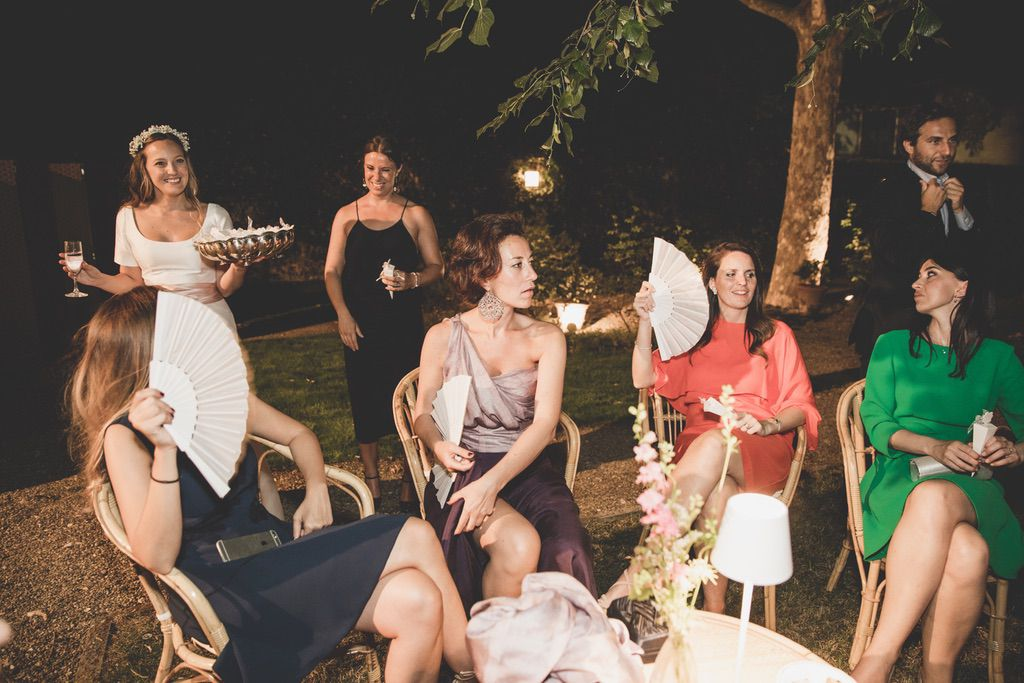 wedding-guests-candids-private-family-villa-florence
