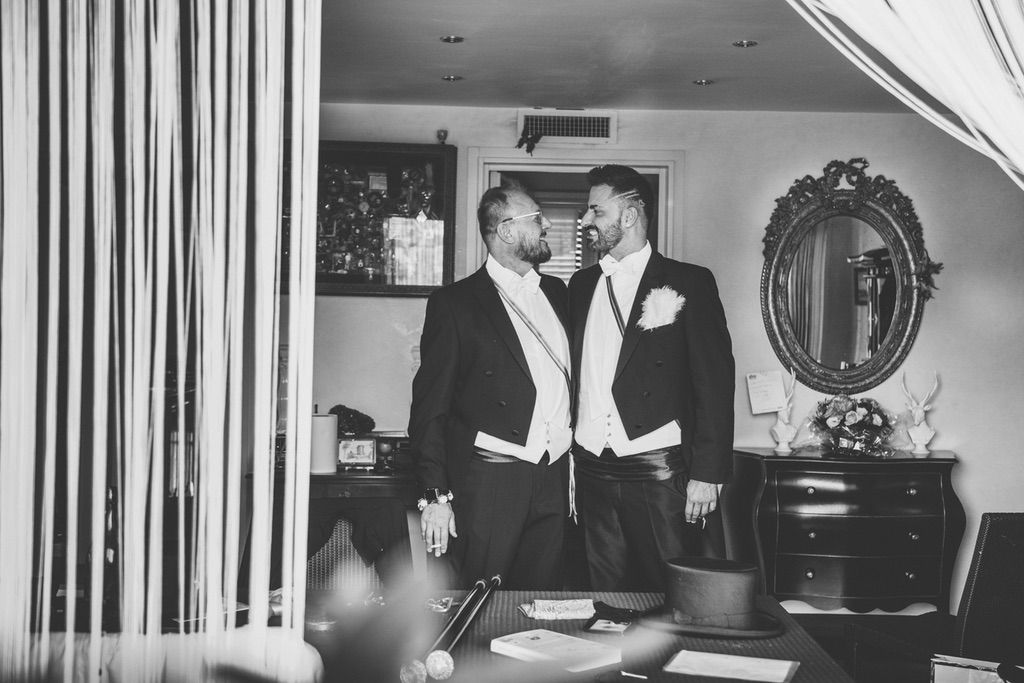 portrait-grooms-getting-before-ceremony