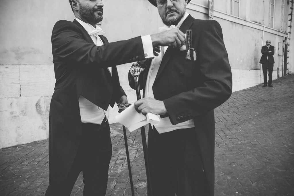 tailcoat-cylinder-stick-grooms-gay-wedding-Rome
