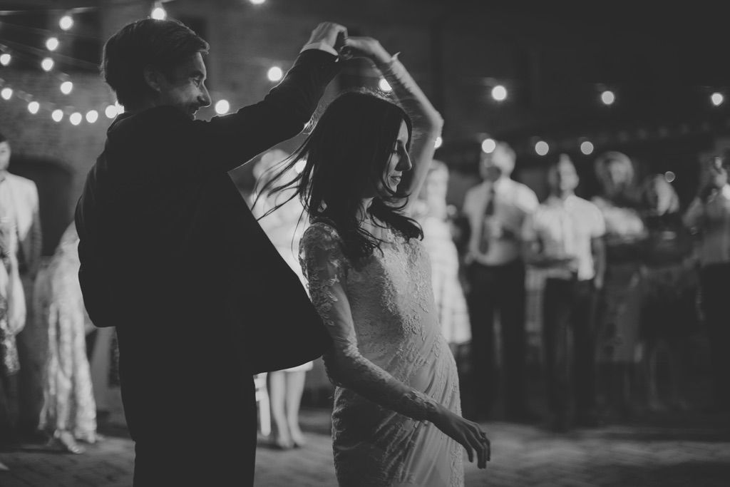 first-dance-wedding-tenuta-di-Papena-Tuscany