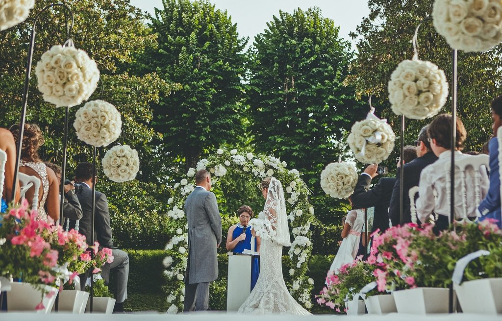 Luxury - outdoor - blessing - wedding - ceremony - Villa - Vedetta - Florence