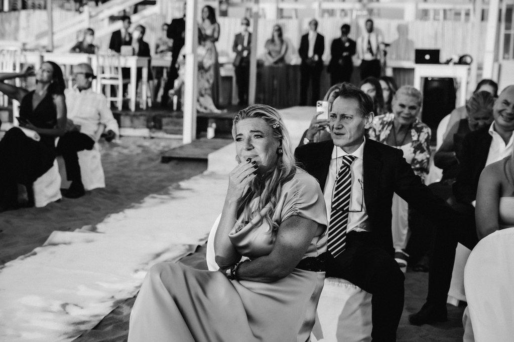 wedding-guests-beach-wedding-Sabaudia