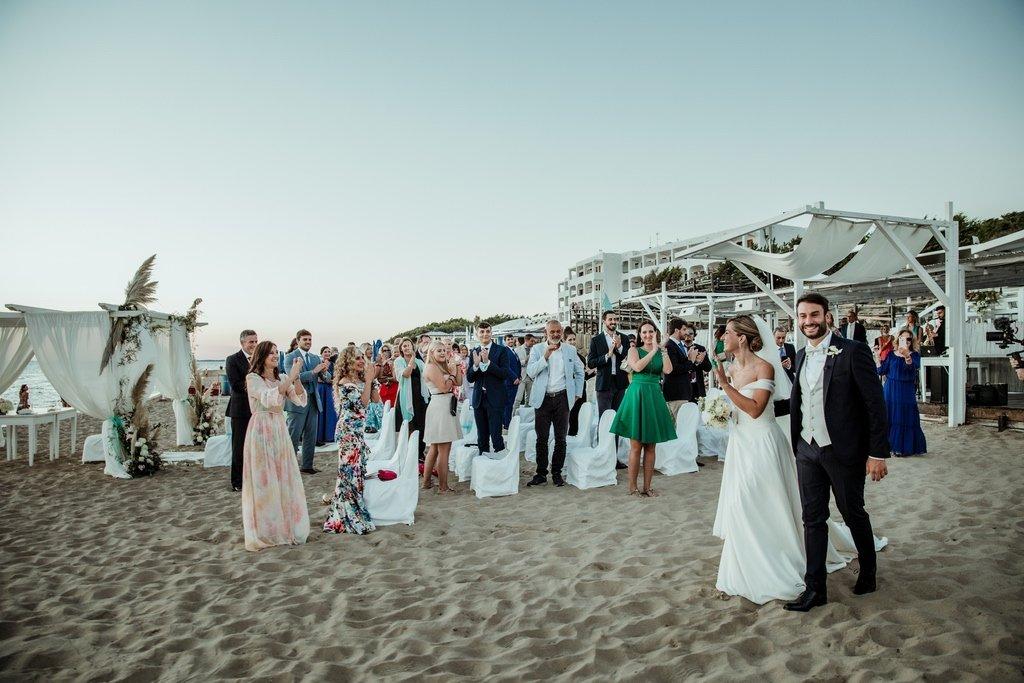 civil-wedding-ceremony-on-the-beach-Italy