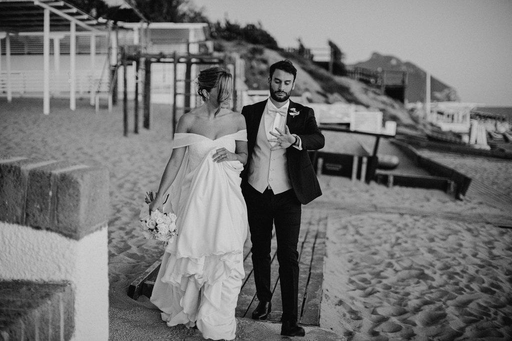 bride-groom-portrait-session-beach