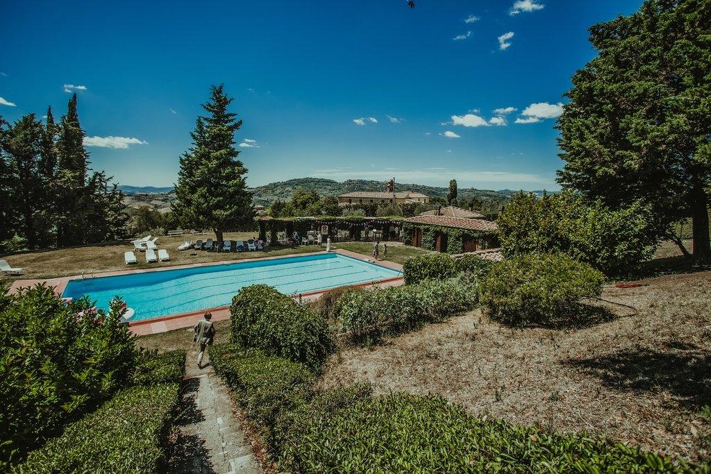 villa-Ulignano-swimming-pool-volterra