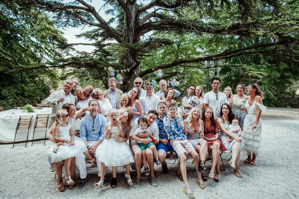 outdoor-family-group-pictures-Villa-Ulignano