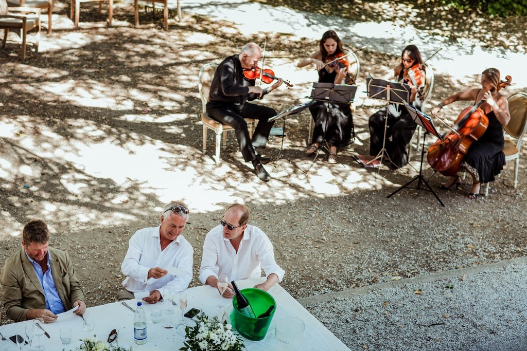 groups-of-Violets-family-reunion-tuscany-