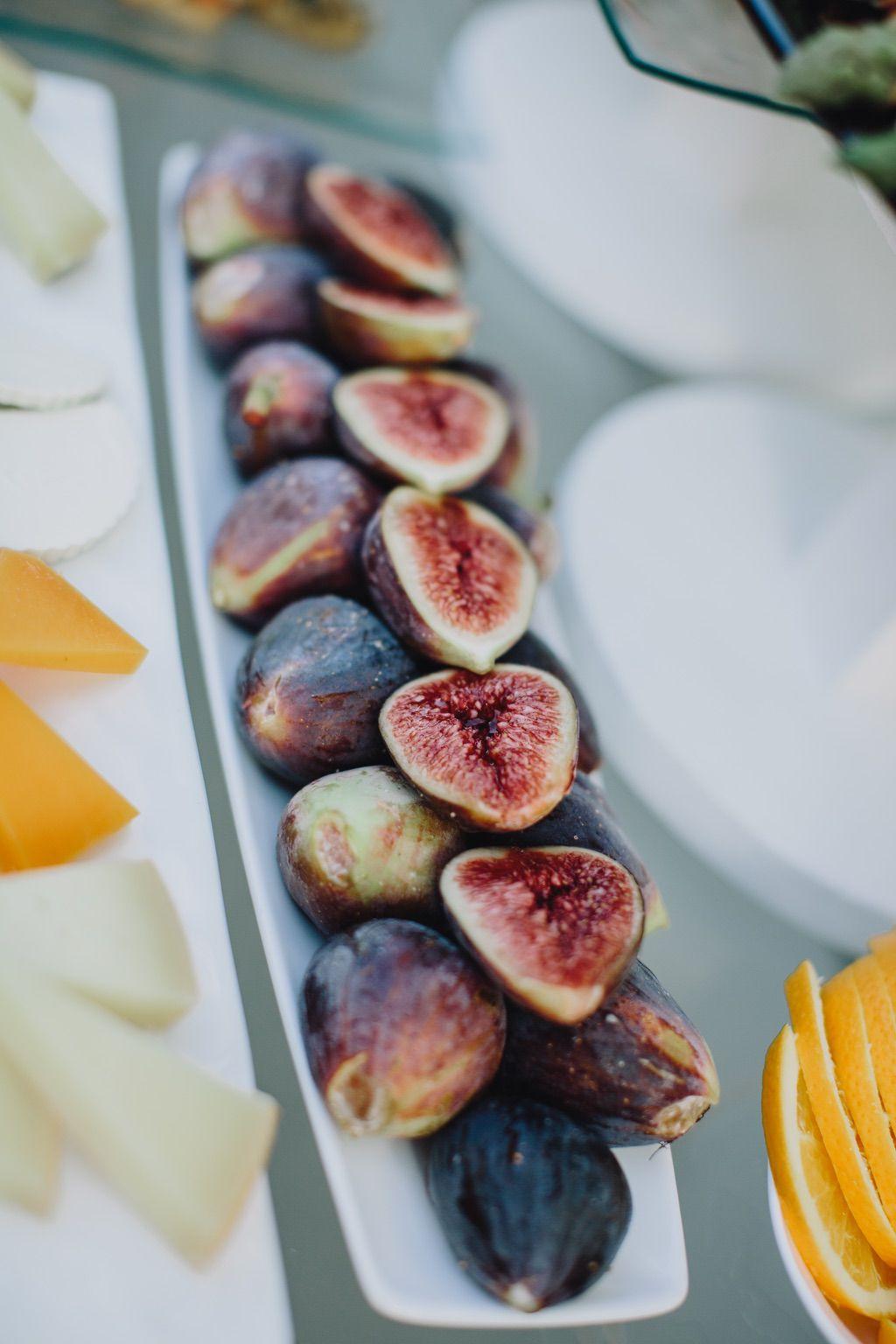 Italian black figs in Firenze